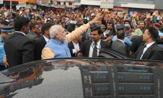 Nepal social media abuzz as Modi mingles with common people