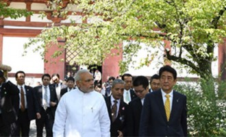 Modi goes to Buddhist temples, meets Kyoto mayor