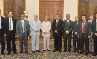 The Foreign Minister of People's Republic of Bangladesh, Abul Hassan Mahmood Ali along with his delegation members, called on the President, Pranab Mukherjee