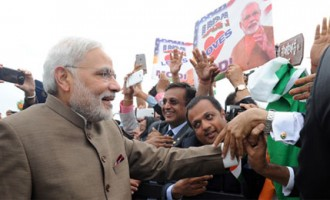 Prime Minister, Shri Narendra Modi being greeting by the people on his arrival, at Andrews Air Force Base, in Washington