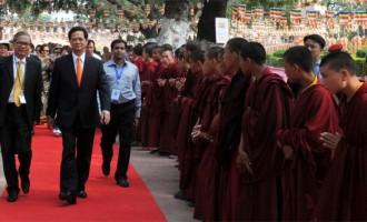 Vietnamese PM prays at Bodh Gaya, says Buddhism binds India, Vietnam