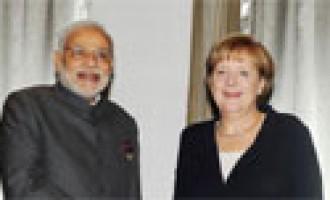 Prime Minister Narendra Modi meeting the German Chancellor, Angela Merkel, in Brisbane