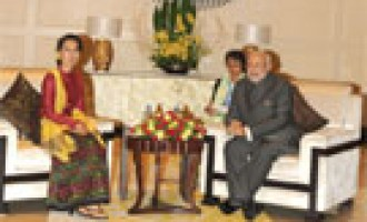 Prime Minister Narendra Modi meeting the Chairperson and General Secretary of the National League for Democracy, Myanmar, Daw Aung San Suu Kyi, in Nay Pyi Taw, Myanmar