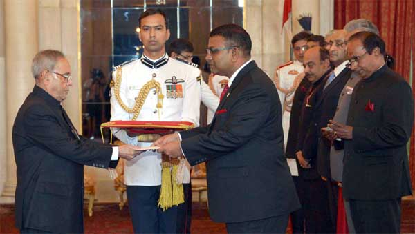 The High Commissioner-designate of the Republic of Maldives, Ahmed Mohamed presenting his credential to the President, Pranab Mukherjee, at Rashtrapati Bhavan, in New Delhi.
