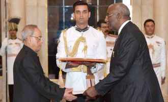 The High Commissioner-designate of Bahamas, Lowell J. Mortimer presenting his credential to the President,