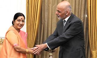 President Ghani meets Sushma Swaraj, to hold talks with Modi