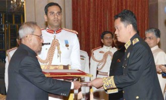 Ambassador-designate of the Kingdom of Cambodia, Pichkhun Panha presenting his credential to the President, Pranab Mukherjee