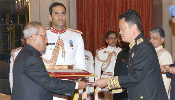 The Ambassador-designate of the Kingdom of Cambodia, Pichkhun Panha presenting his credential to the President, Pranab Mukherjee, at Rashtrapati Bhavan, in New Delhi.