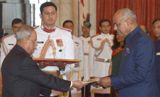 High Commissioner-designate of the Republic of Mauritius, Jagdishwar Goburdhun presenting his Credentials to the President, Pranab Mukherjee