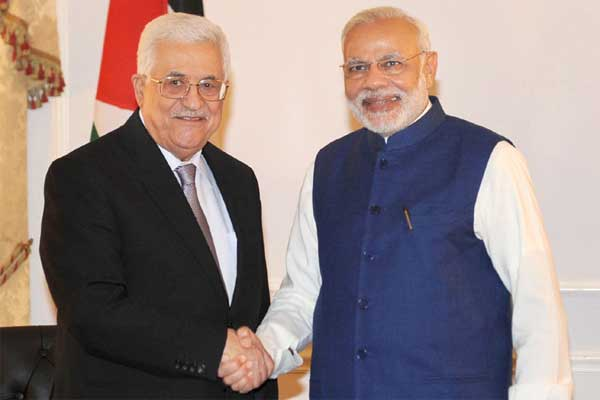 The Prime Minister, Narendra Modi meeting the President of Palestine, Mahmoud Abbas, in New York.