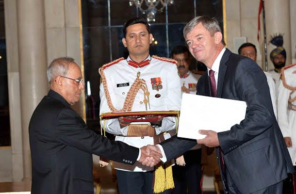 HE Mr. Milan Hovorka, Ambassador-designate of the Czech Republic presenting his Credential to the President of India, Shri Pranab Mukherjee at Rashtrapati Bhavan
