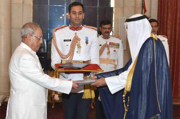 The Ambassador-designate of State of Kuwait, Fahad Ahmad Mohammad Al-Awadhi presenting his credential to the President, Pranab Mukherjee, at Rashtrapati Bhavan, in New Delhi.