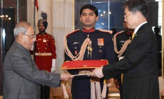 Ambassador-designate of the Republic of Korea, Cho Hyun presenting his Credential to the President, Pranab Mukherjee