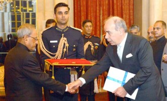 Ambassador-designate of Greece, Pano Kalogeropoulos presenting his credential to the President, Pranab Mukherjee