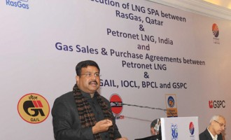 India renegotiates gas price with Qatar, saves Rs.16,000 crore