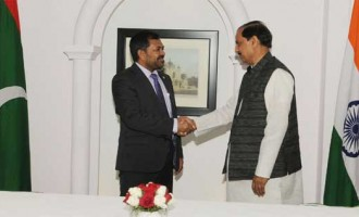 Minister of Tourism, Republic of Maldives, Moosa Zameer meeting the Minister of State for Culture (IC), Tourism (IC) and Civil Aviation, Dr. Mahesh Sharma, in New Delhi