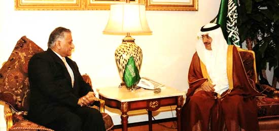 Minister of State for External Affairs meets Dr. Bandar Bin Muhammad Hajjar, Minister for Haj of the Kingdom of Saudi Arabia in Jeddah during his visit to Saudi Arabia.