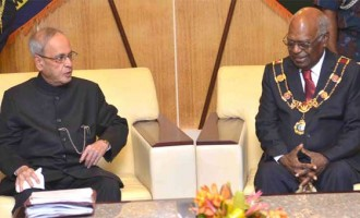 The President, Shri Pranab Mukherjee meeting the Governor General of Papua New Guinea, Sir Michael Ogio,