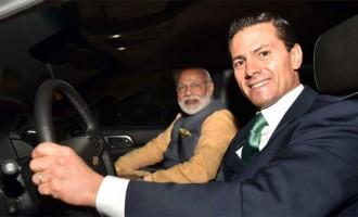 In a very special gesture, President Enrique Peña Nieto @EPN personally drives Prime Minister Narendra Modi @narendramodi to a restaurant for Mexican vegetarian fare