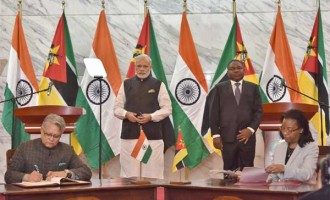 PM, Narendra Modi and the President of Mozambique, Filipe Nyusi witnessing the signing of agreements,