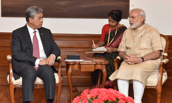 The Deputy Prime Minister of Malaysia, Dato' Seri Dr. Ahmad Zahid Bin Hamidi calling on the Prime Minister, Narendra Modi, in New Delhi
