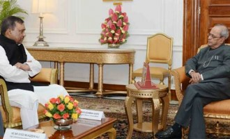Home Minister of Bangladesh, Asaduzzaman Khan calling on the President, Pranab Mukherjee,
