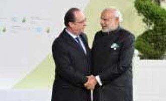 Modi discusses Scorpene leaks with Hollande