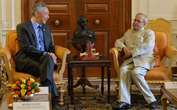 Lee Hsien Loong, Prime Minister of Republic of Singapore, calling on the President of India, Pranab Mukherjee at Rashtrapati Bhavan on October 05, 2016.