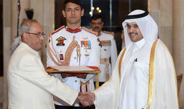 The Ambassador-Designate of Qatar, Mohammed Khater Ibrahim Al-Khater presenting his credentials to the President, Pranab Mukherjee, at Rashtrapati Bhavan, in New Delhi.
