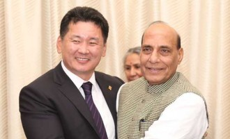 Deputy Prime Minister of Mongolia, Khurelsukh Ukhna meeting the Union Home Minister, Rajnath Singh,