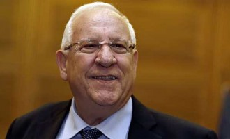 Israel President pays homage to 26/11 terror victims