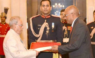 High Commissioner-designate of Trinidad and Tobago, Dave Chandalal Persad presenting his credentials