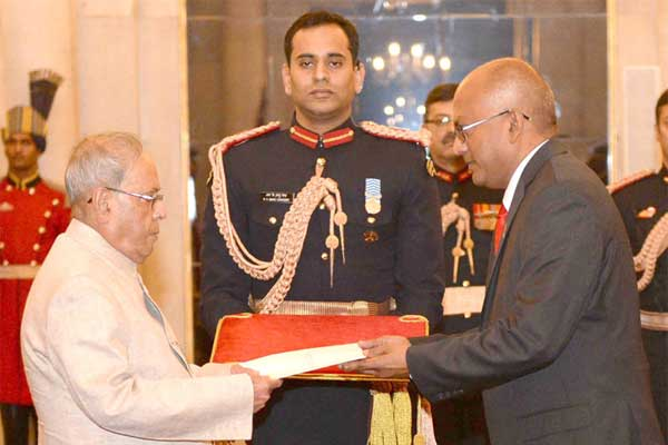 The High Commissioner-designate of Trinidad and Tobago, Dave Chandalal Persad presenting his credentials to the President, Pranab Mukherjee, at Rashtrapati Bhavan, in New Delhi on November 30, 2016.