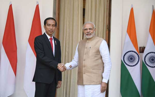 The Prime Minister, Narendra Modi with the President of Indonesia, Joko Widodo, at Hyderabad House, in New Delhi on December 12, 2016.