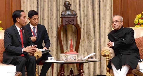 The President of Indonesia, Joko Widodo meeting the President, Pranab Mukherjee, at Rashtrapati Bhavan, in New Delhi on December 12, 2016.