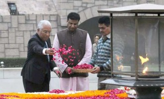 Prime Minister of Portuguese Republic, Antonio Costa paying floral tributes at the Samadhi of Mahatma Gandhi, at Rajghat