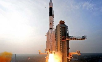 India successfully puts record 104 satellites into orbit