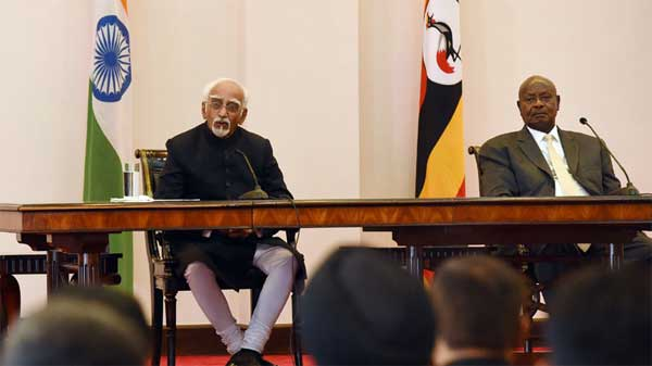 The Vice President, M. Hamid Ansari and the President of Uganda, Yoweri Museveni making joint press statement, at the State House, in Entebbe, Uganda on February 22, 2017.