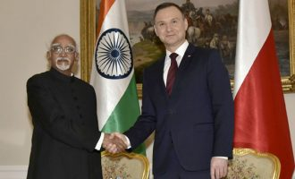 Vice President, Shri M. Hamid Ansari calling on the President of Poland, Mr. Andrzej Duda, in Warsaw, Poland