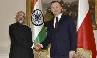 Vice President, Shri M. Hamid Ansari calling on the President of Poland, Mr. Andrzej Duda, in Warsaw, Poland