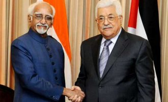 Vice President, M. Hamid Ansari calling on the President of the State of Palestine, Mahmoud Abbas
