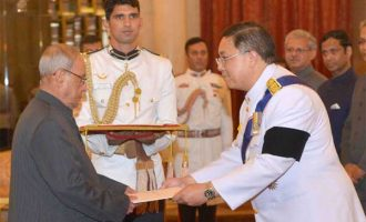 Ambassador-designate of the Kingdom of Thailand, Chutintorn Gongsakdi presenting his credentials
