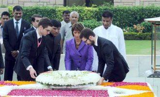 President of Switzerland, Doris Leuthard laying wreath at the Samadhi of Mahatma Gandhi, at Rajghat