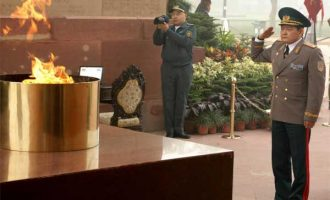 Deputy Defence Minister of Kazakhstan Lt Gen Talgat Mukhtarov laying wreath at Amar Jawan Jyoti, India Gate, New Delhi