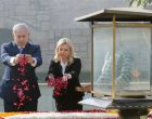 The Prime Minister of Israel, Mr. Benjamin Netanyahu paying floral tributes at the Samadhi of Mahatma Gandhi, at Rajghat,
