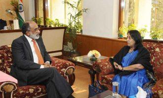 High Commissioner of Sri Lanka to India, Chitranganee Wagiswara meeting the MoS for Tourism (I/C) and Electronics & Information Technology, Alphons Kannanthanam