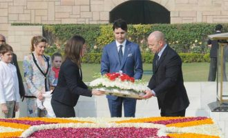 Prime Minister of Canada, Justin Trudeau laying wreath at the Samadhi of Mahatma Gandhi, at Rajghat