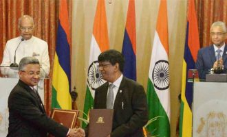 Prez holds talks with Mauritian PM, signs MoUs