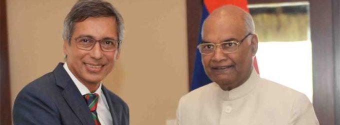 Leader of Opposition of Mauritius, Xavier Luc Duval calling on the President, Ram Nath Kovind,
