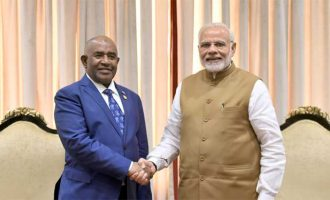 Prime Minister, Shri Narendra Modi meeting the President of Comoros, Mr. Azali Assoumani